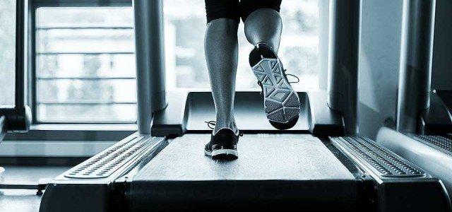Entrainement sur tapis de course pour une compétition running