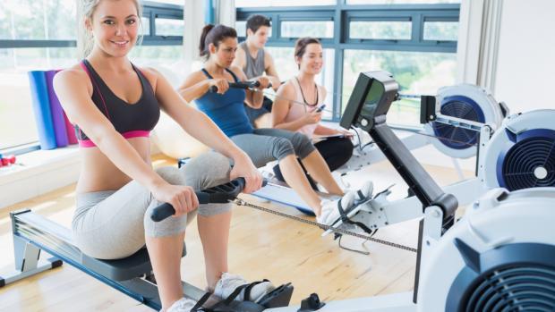 7 raison d'utiliser un ramer pour s'entraîner physiquement